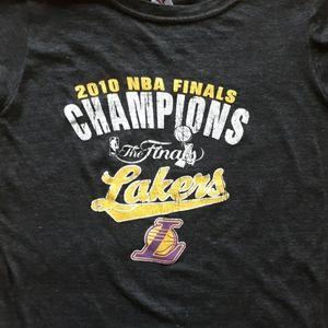 Lakers Championship Women's Medium tee!